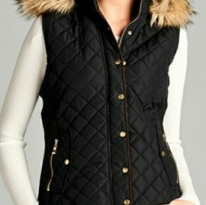 NWT Quilted faux fur hooded vest